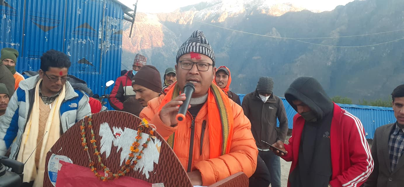 नेपाली राजनीति : महामारीमा कुर्सीको सवारी