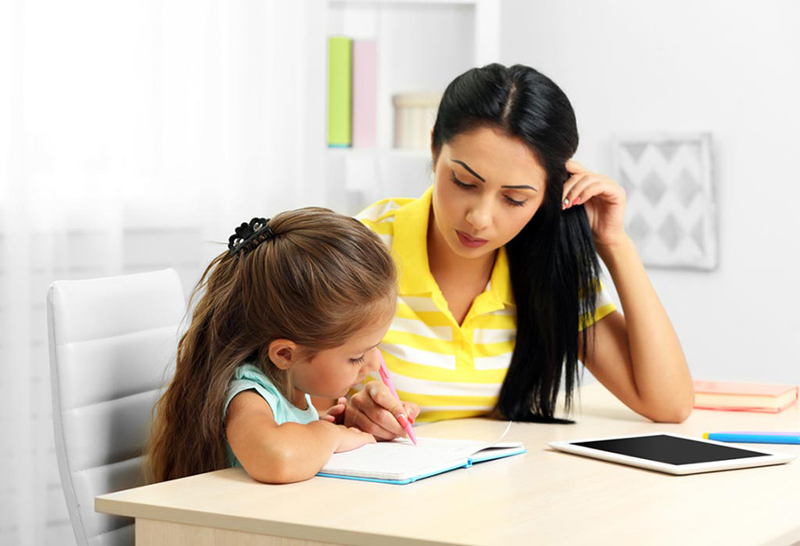 होम स्कुलिङ : बालबच्चालाई घरमै लेखपढ, बुवाआमा शिक्षक