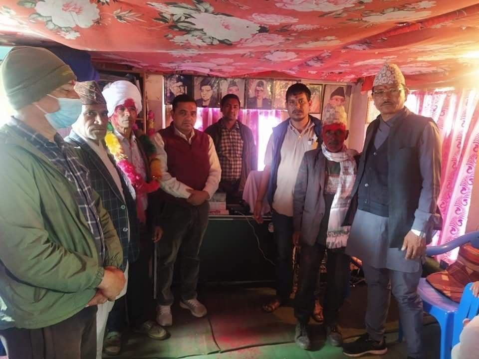 नेकपा एमालेका नेता संज्याल र नेकपा माओबादी केन्द्रका नेता बाेगटी काँग्रेसमा प्रवेश